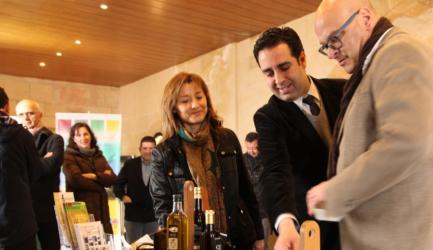 (Español) Alcalá la Real acerca el aceite de oliva a sus visitantes con una campaña oleoturística